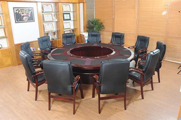 cho thuê bàn ghế văn phòng