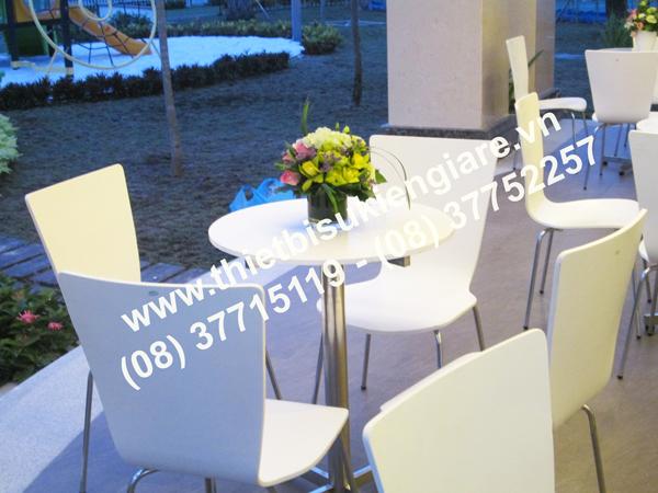 Cho thuê bàn ghế giá rẻ tphcm