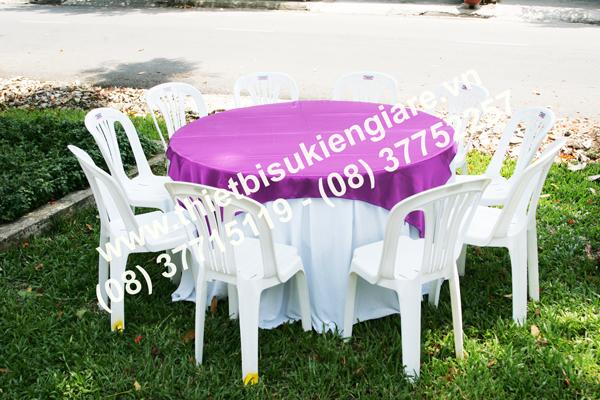 Cho thuê bàn ghế nhựa rẻ đẹp tại Ngàn Thông